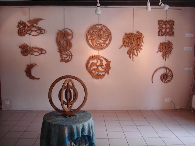 Sculpture du bois la porte de pierre - Office tourisme trehorenteuc ...